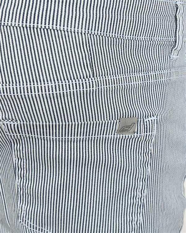 شلوار زنانه کوتاه کتان کشی سفید آبی راه راه Diverse