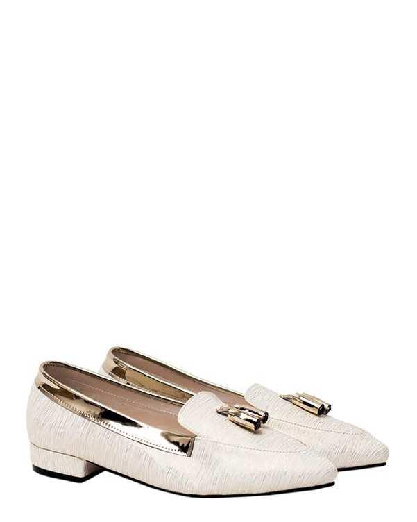 کفش زنانه کژوال شیری طلایی منگوله دار سورا