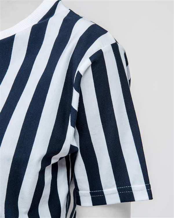 تی شرت زنانهنخی یقه گردسفید سرمه ای راه راهسورا