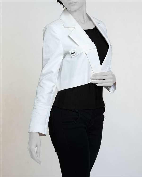 کت زنانه کوتاه براق سفید زیبو