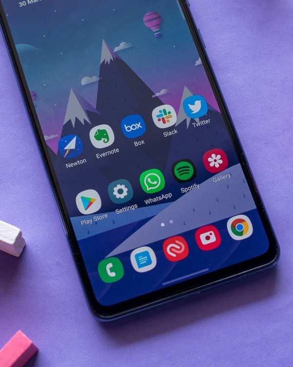 گوشی موبایل سامسونگ Galaxy A72 دو سیم کارت ظرفیت 256 گیگابایت