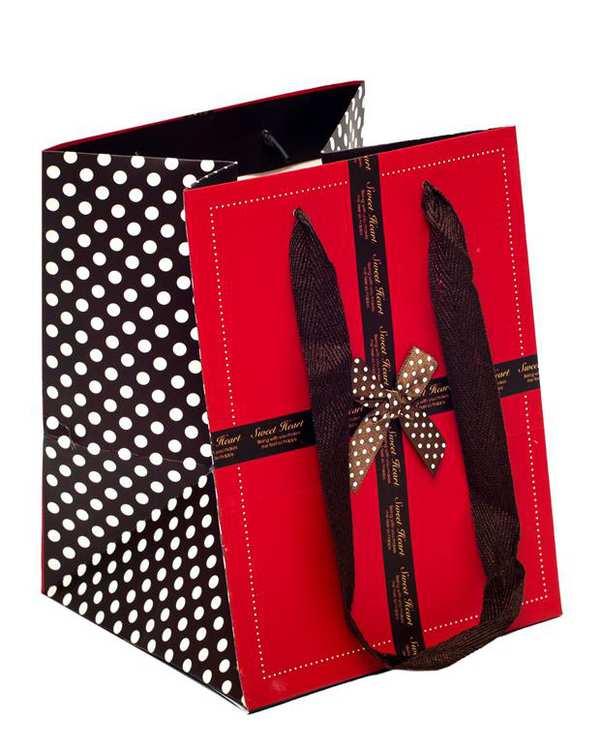 پاکت هدیه قرمز قهوه ای
