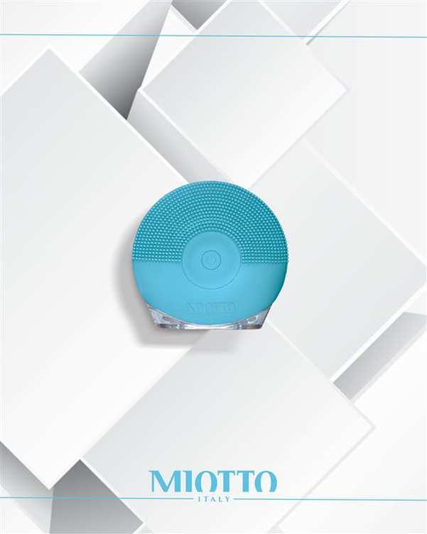 برس پاکسازی شارژی صورت مدل Lominoso آبی Miotto