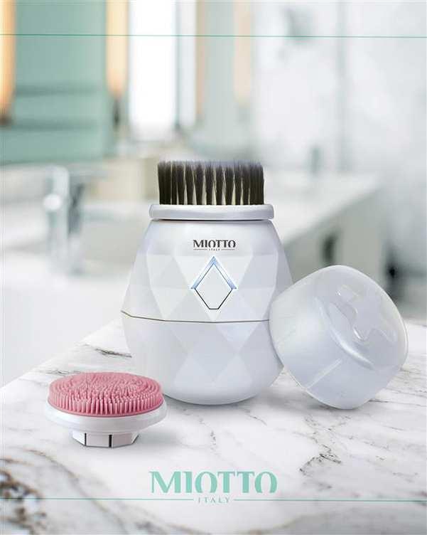 برس پاکسازی شارژی صورت مدل Diamante سفید Miotto